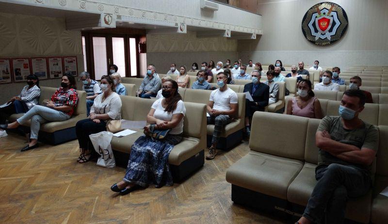 В Управлении МВД России по г. Ялта состоялась церемония принятия присяги на верность Российской Федерации иностранными гражданами