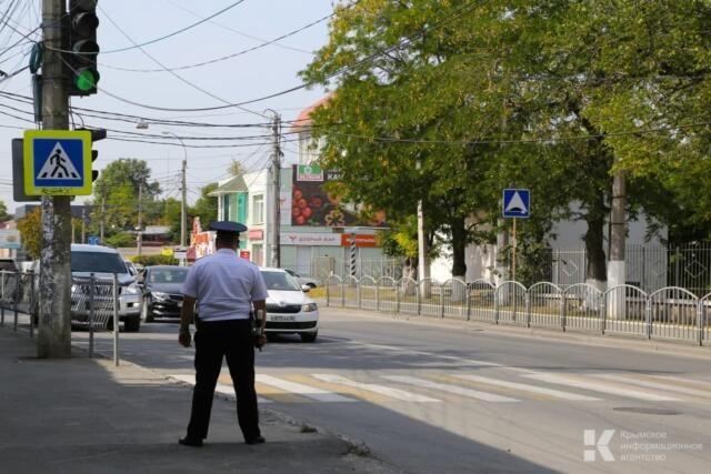 Житель Кировского района обманул желающих получить права в обход МРЭО