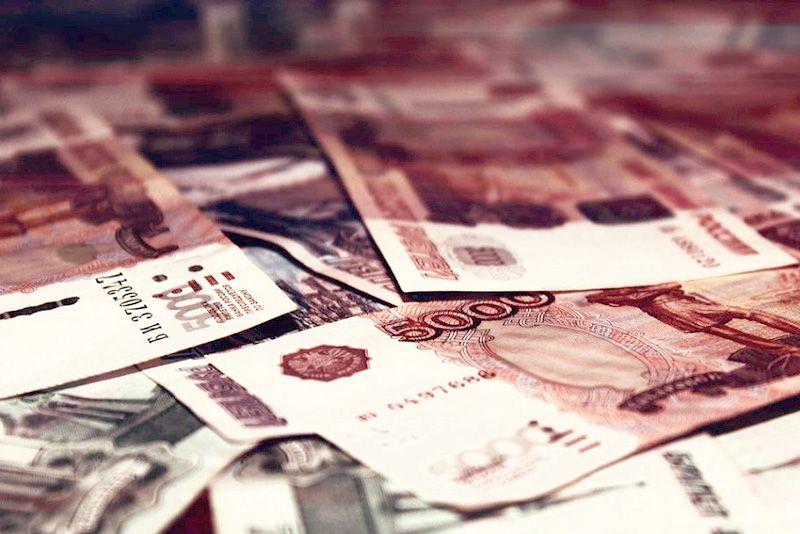 Кабмин выделил еще почти 3 млрд рублей на страховые выплаты медикам