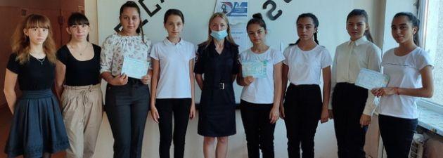 В Нижнегорском районе полицейские провели со школьниками правовые занятия
