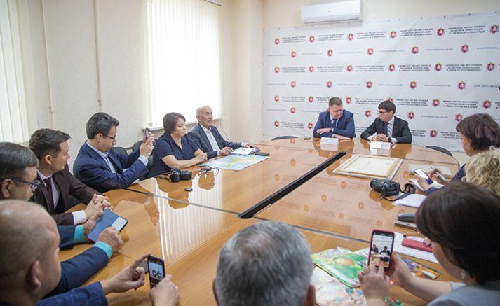 «Татмедиа» и крымский Мининформ подписали меморандум о сотрудничестве