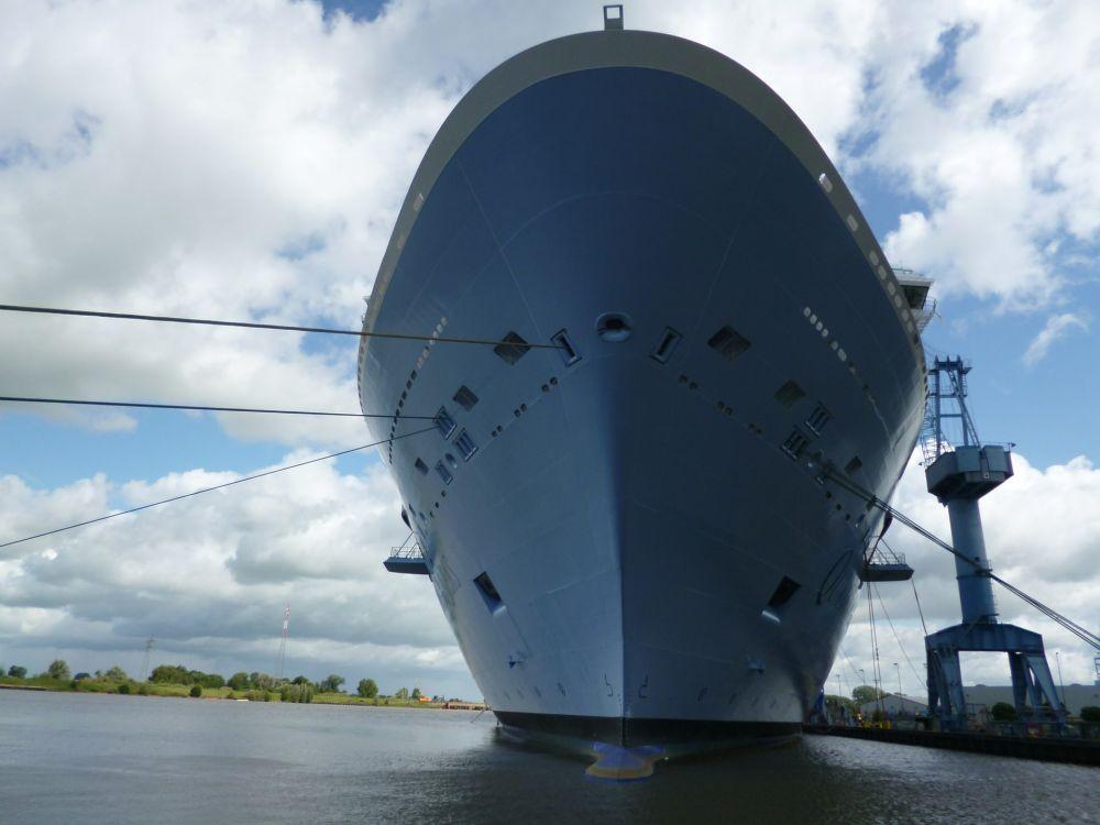 На судостроительном заводе в Керчи строят уже 3 корабль