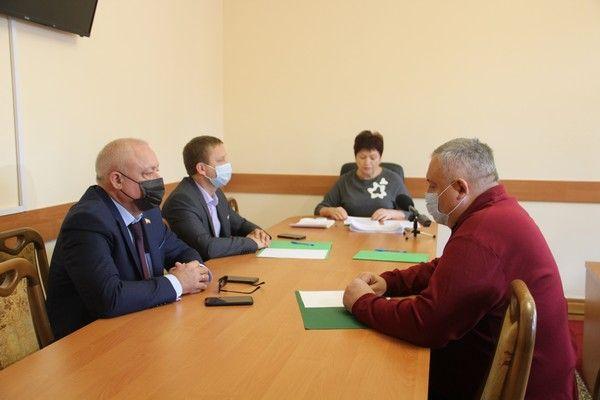 В крымском парламенте прошло заочное голосование