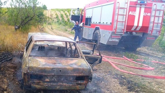 Онеборцы ГКУ РК «Пожарная охрана Республики Крым» ликвидировали возгорание автомобиля в Бахчисарайском районе