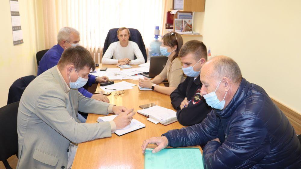Заместитель главы администрации Сакского района Евгений Радионов провел заседание Межведомственной рабочей группы Сакского района Республики Крым