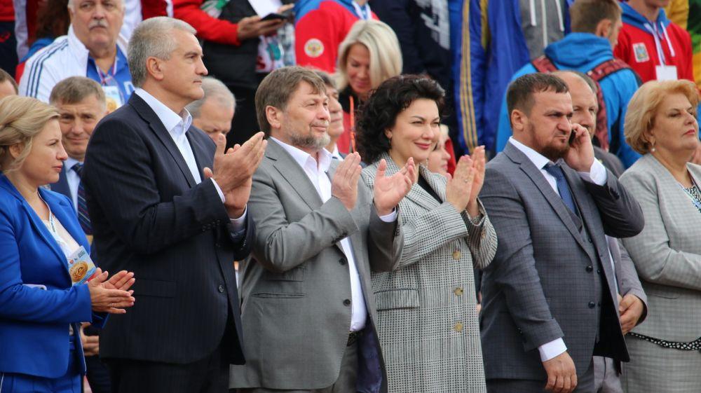 Арина Новосельская приняла участие в торжественной церемонии открытия Фестиваля культуры и спорта народов Юга России