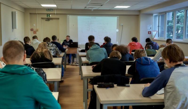 В Севастополе прошел интенсивный курс подготовки школьников к Всероссийской олимпиаде