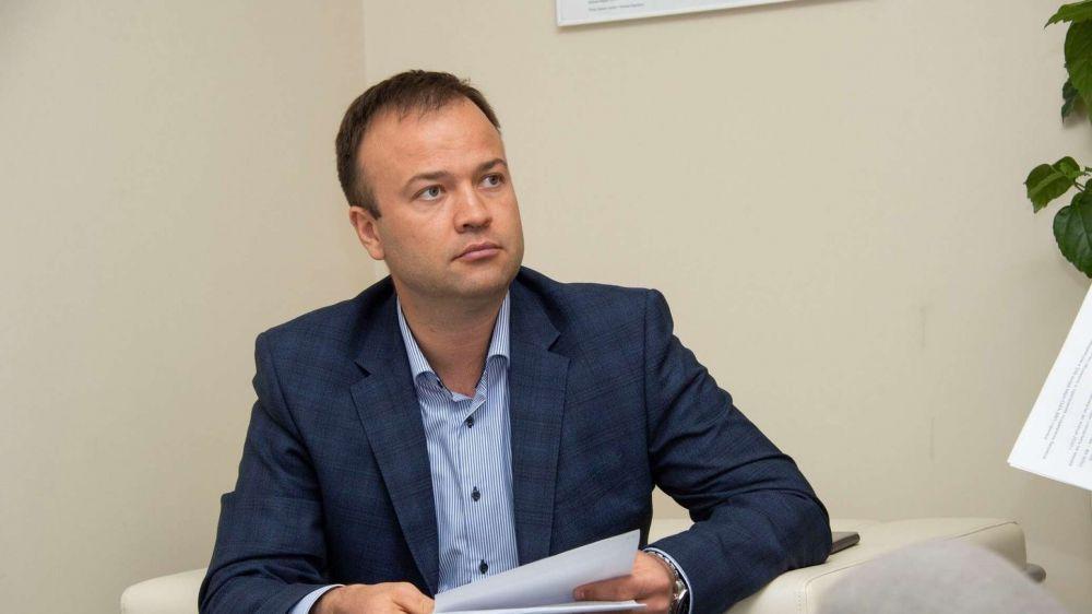 Вслед за Кабановым суд отправил в СИЗО экс-министра строительства Крыма