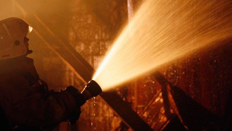 В Севастополе из-за ночного пожара эвакуировали жителей многоэтажки