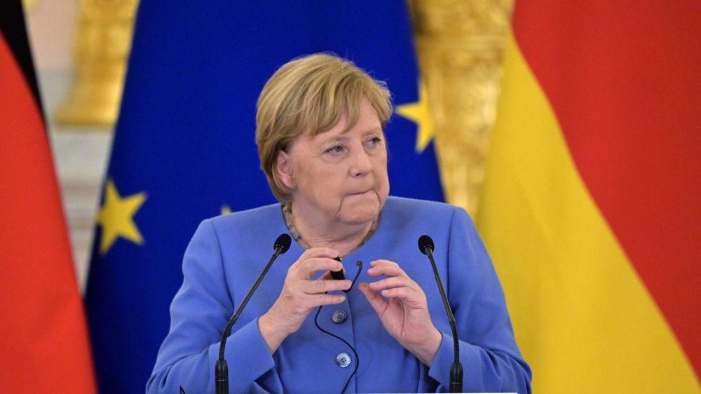 """От """"девочки"""" до """"матушки"""": чем запомнится миру Ангела Меркель"""