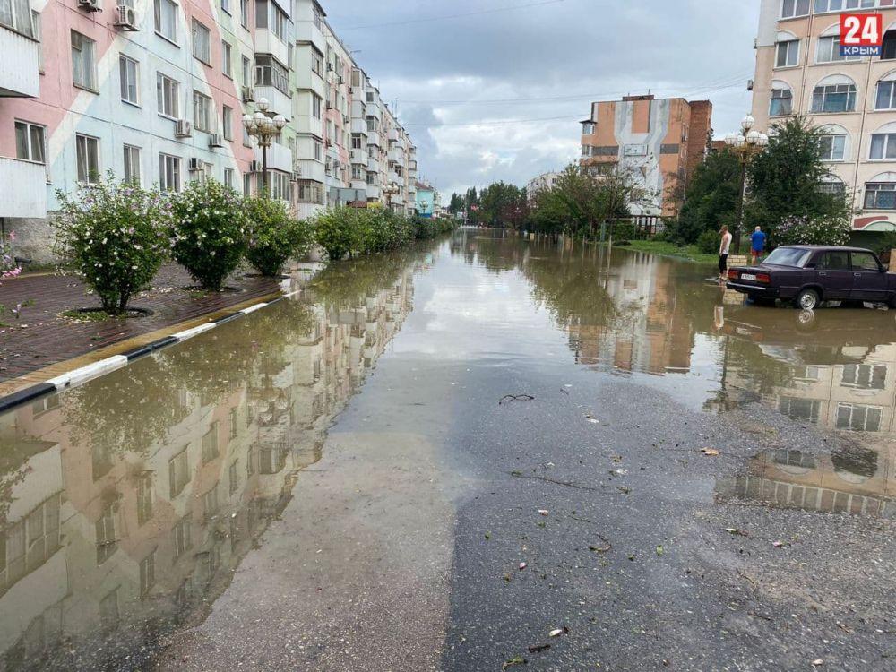 В Керчи продолжаются работы по ликвидации ЧС