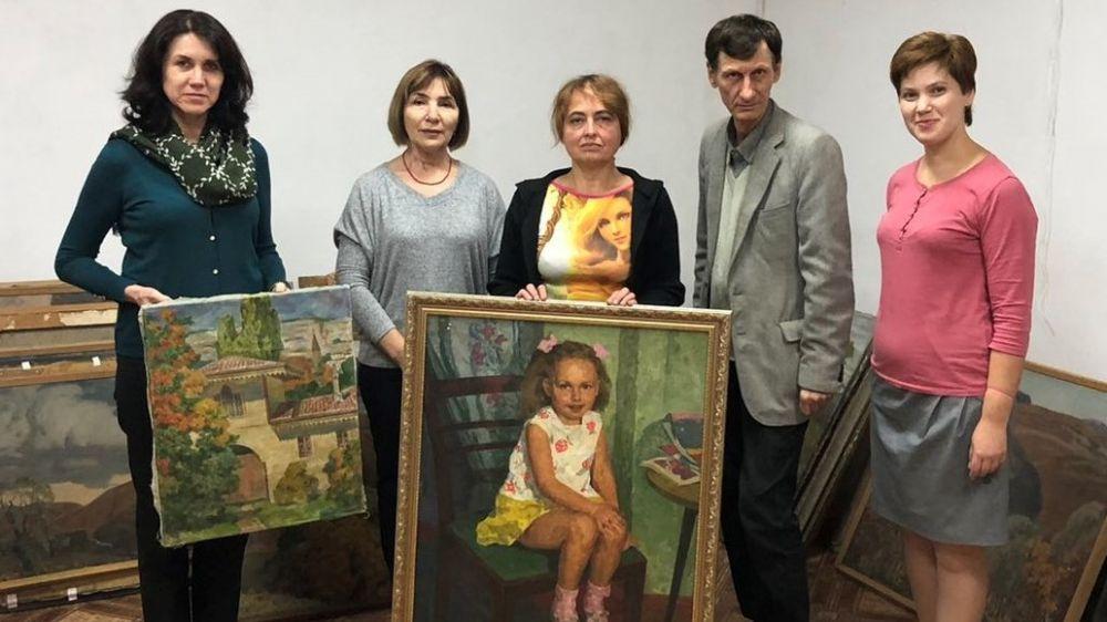 Крымскотатарскому музею культурно-исторического наследия переданы порядка 90 портретов и пейзажей известного художника Октября Федотова