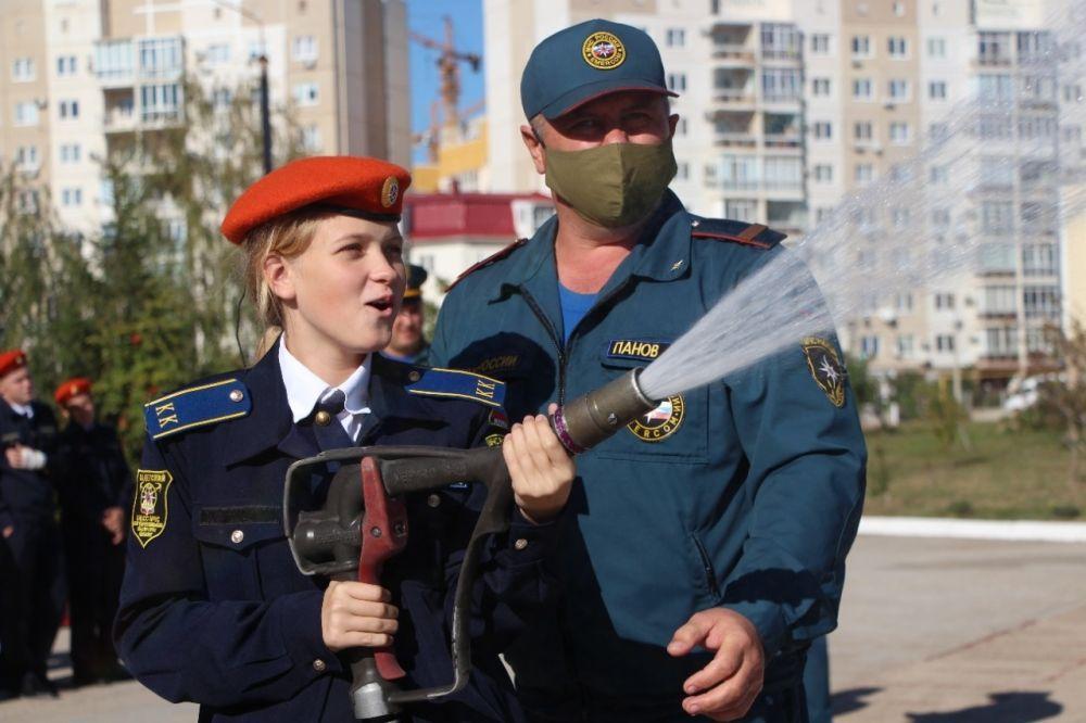 В Крыму сотрудники МЧС России проводят месячник безопасности в образовательных учреждениях