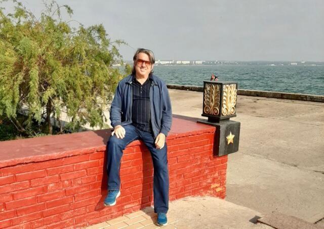 Певец Юрий Лоза призвал Усика открыть академию бокса в Крыму