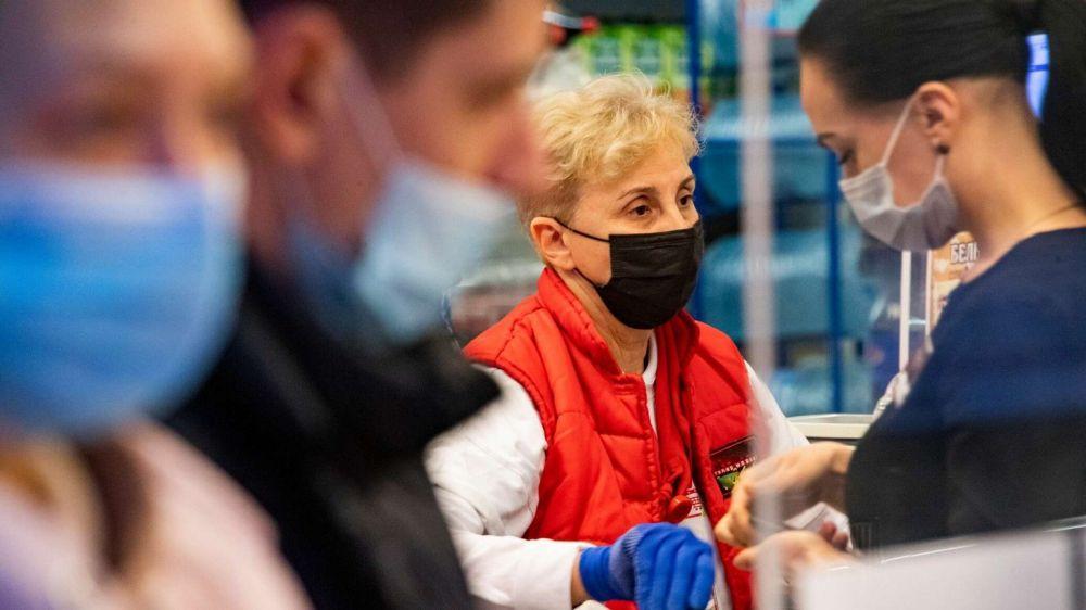 Новые антиковидные ограничения введут в Крыму с 11 октября