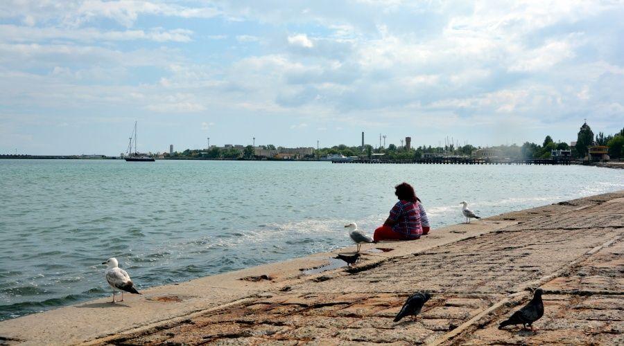 Реконструкцию набережной Терешковой в Евпатории возобновят в следующем году
