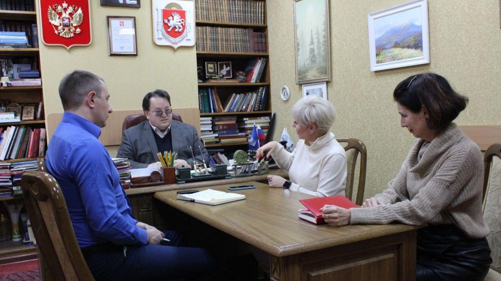 Олег Лобов провел рабочее совещание по вопросам взаимодействия с кафедрой документоведения и архивоведения Крымского федерального университета