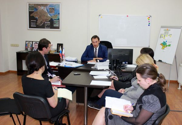 Специалисты Госкомрегистра зарегистрировали свыше 25 000 прав на объекты недвижимости за муниципальными образованиями республики