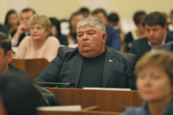 Сергей Аксёнов поручил уволить должностных лиц, которые системно занимались отписками и не желали разбираться в проблемах граждан