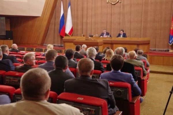 Парламентарии одобрили подготовленные Минфином Крыма очередные изменения основных параметров бюджета республики на 2017 год