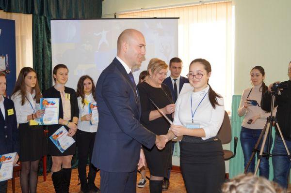Владимир Трегуб встретился с одаренными детьми общеобразовательных учреждений Советского района