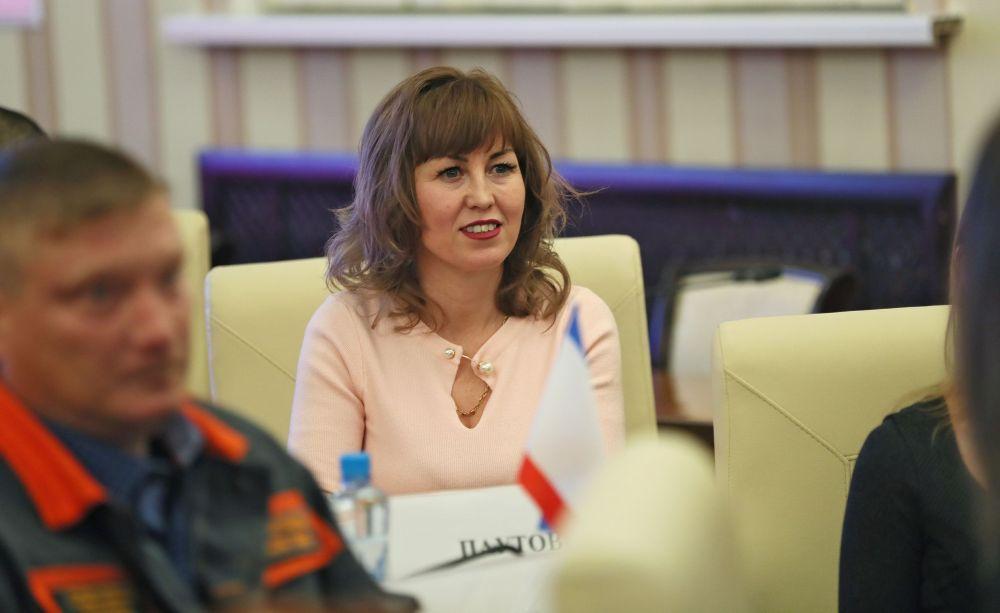 Сергей Аксёнов в честь Дня Республики Крым вручил награды крымчанам