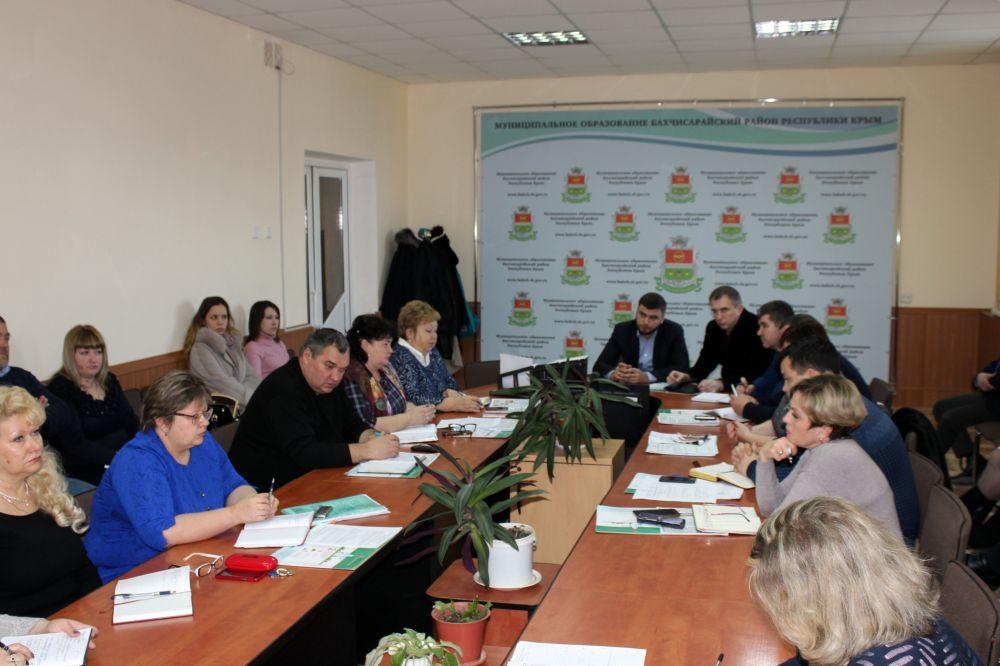 Рефат Дердаров провел очередное еженедельное совещание пнри главе района