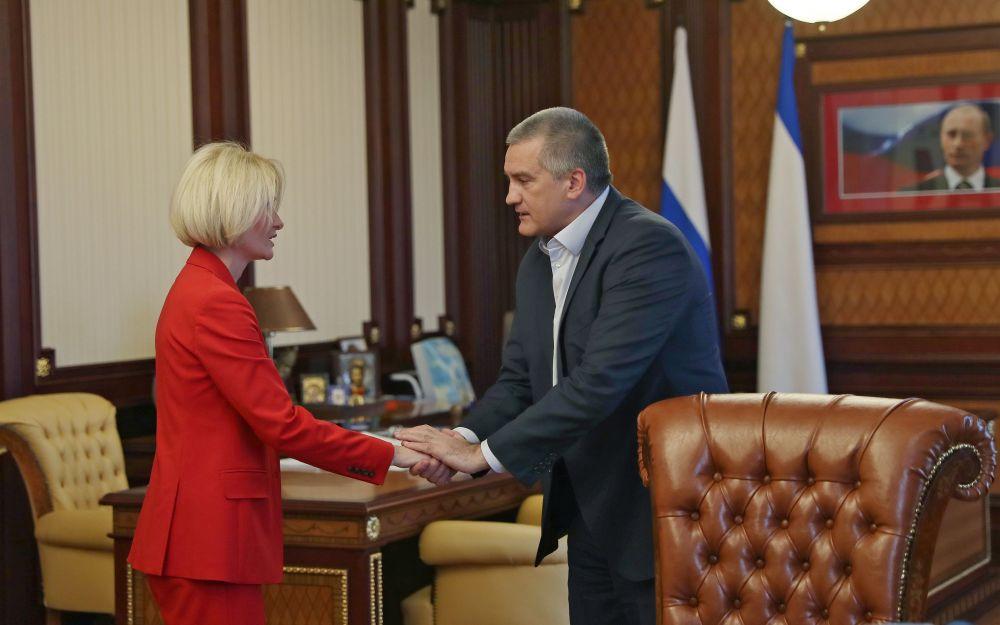 Сергей Аксёнов провёл рабочую встречу с руководителем Росреестра Викторией Абрамченко