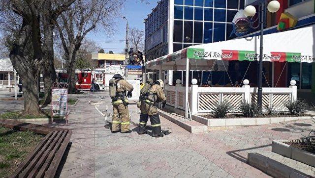 Пожарно-тактические занятия МЧС в торгово-развлекательных центрах Евпатории