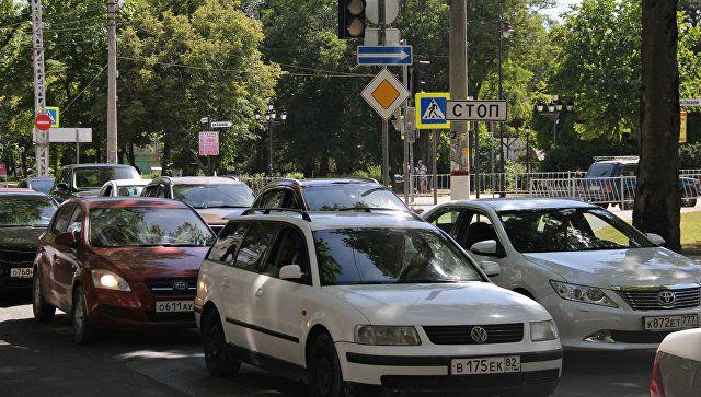 Отключенные светофоры и пробка в центре Симферополя из-за отключения электроэнергии. 13 июня 2018