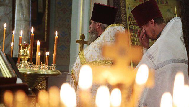 Богослужение в Александро-Невском кафедральном соборе в Симферополе в память о погибших при нападении на Керченский политехнический колледж