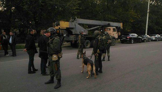 На месте взрыва в Керченском политехническом колледже. 17 октября 2018