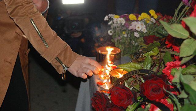Траурные мероприятия в Симферополе в связи с трагедией в Керченском политехническом колледже. 17 октября 2018