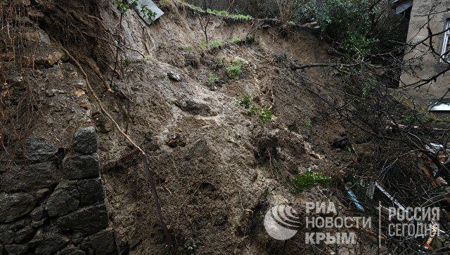 Обвал опорной стены в Ялте 11.01.2019 г.