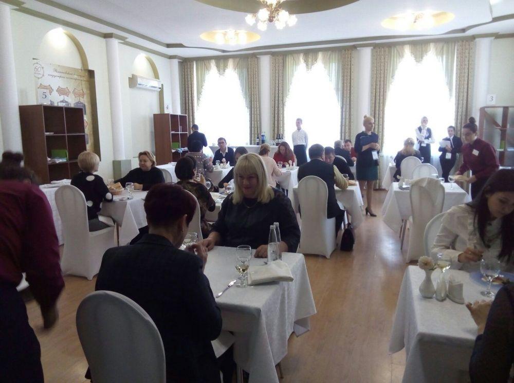 В Крыму определили лучшего официанта