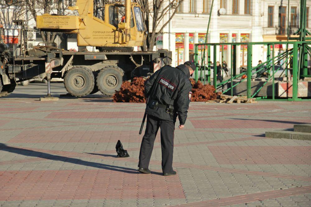 В Симферополе площадь Ленина заминировали творогом - фотофакт