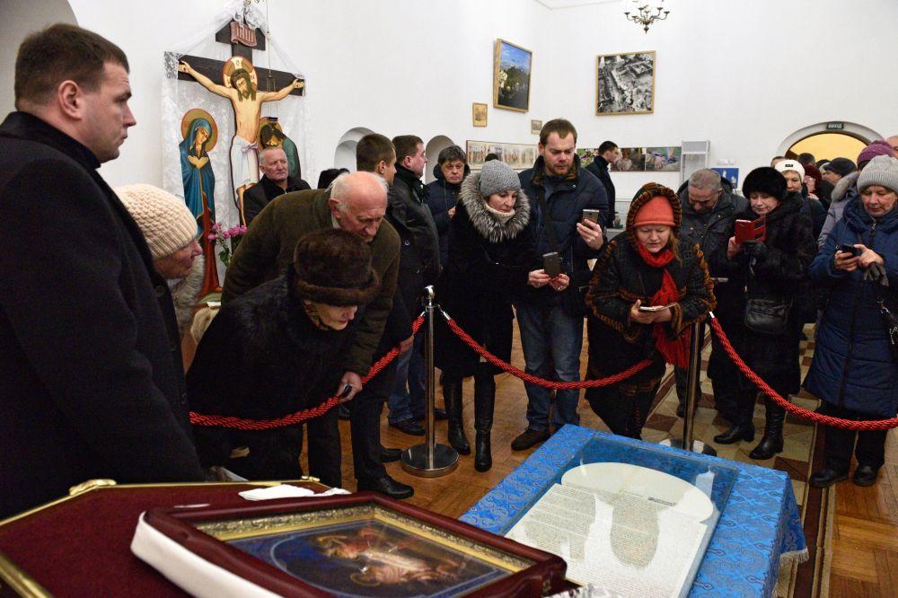 Год при томосе: что будет с новой церковью на Украине