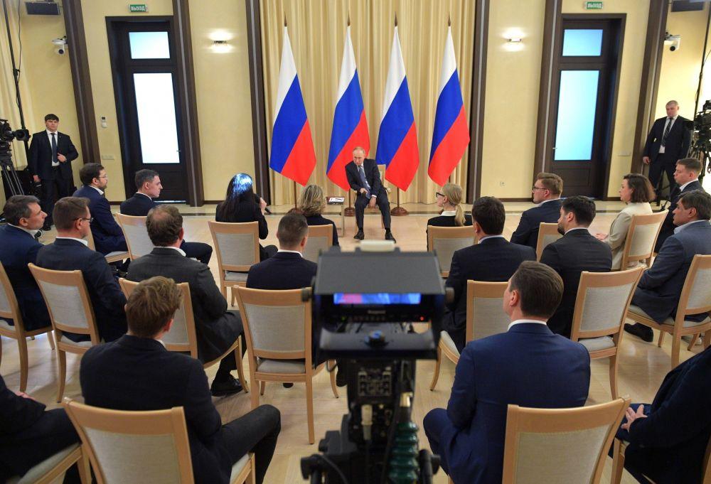 бизнес в россии в картинка перстень