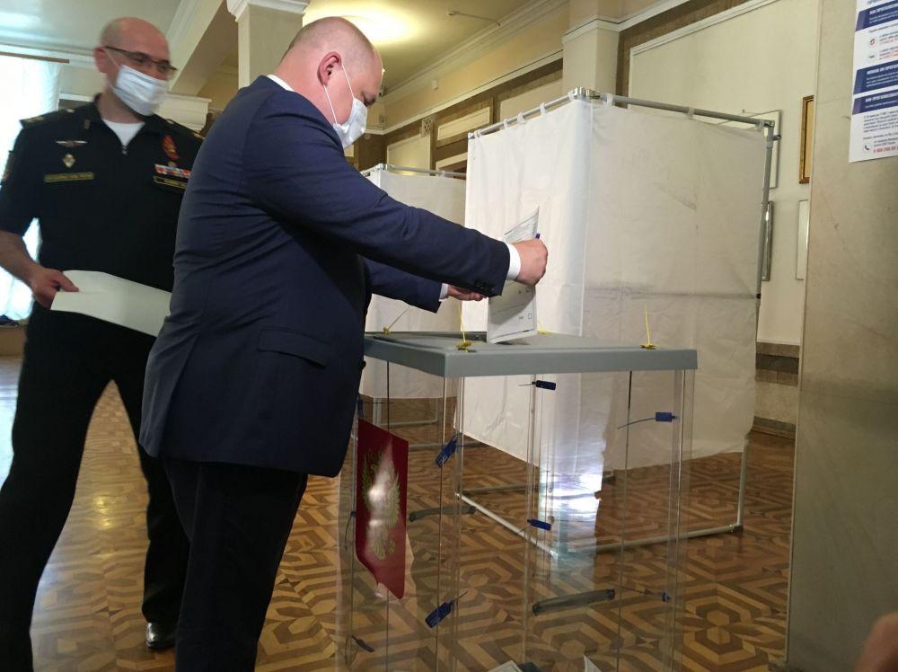 Как крымчане голосуют по поправкам в Конституцию