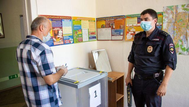 Общероссийское голосование. На избирательном участке.