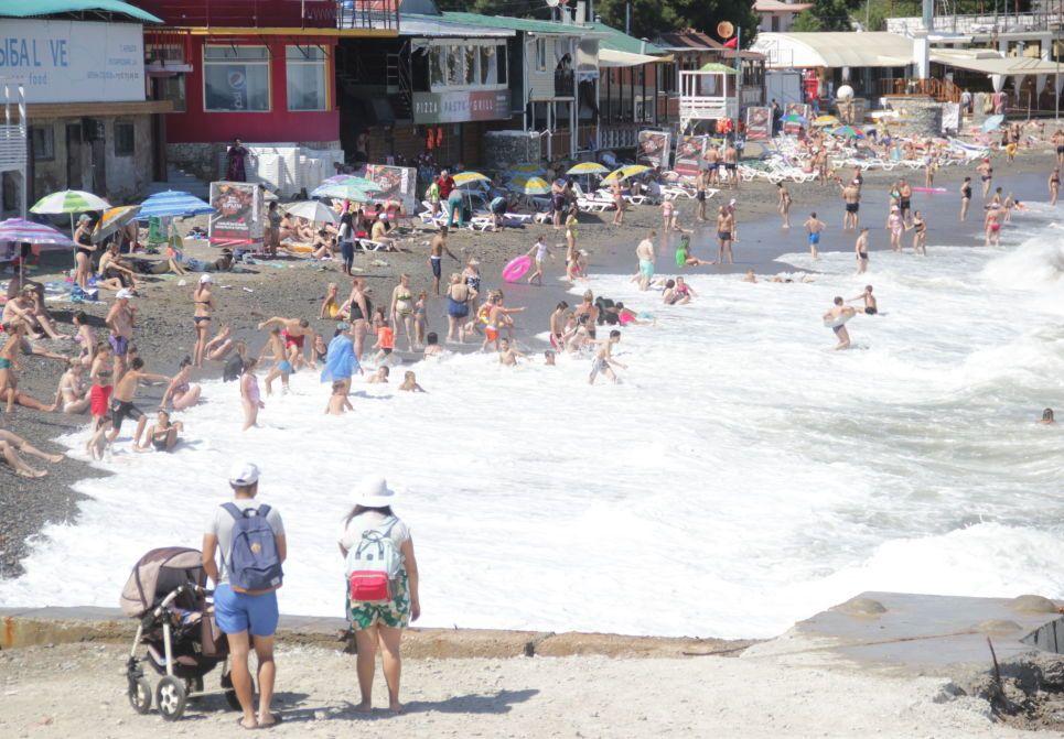 Готовы ли пляжи Крыма к туристам?
