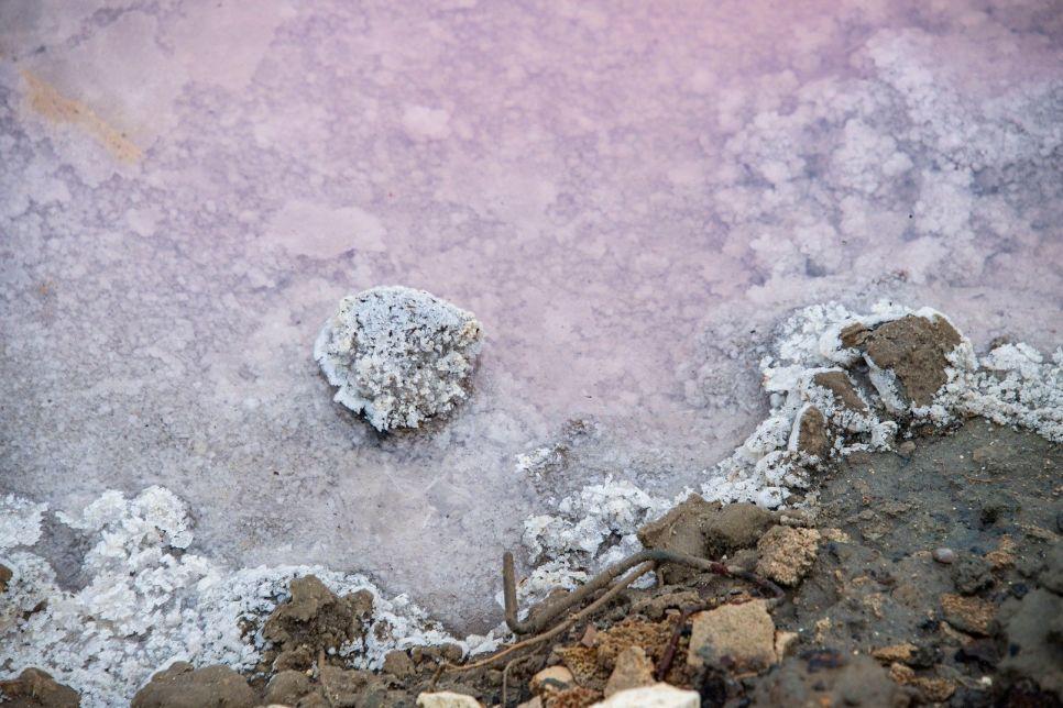 Обернули, подержали: как грязь может помочь и навредить