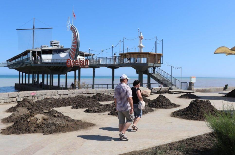 Как крымчане пережили потоп: убирают, возят воду, помогают друг другу