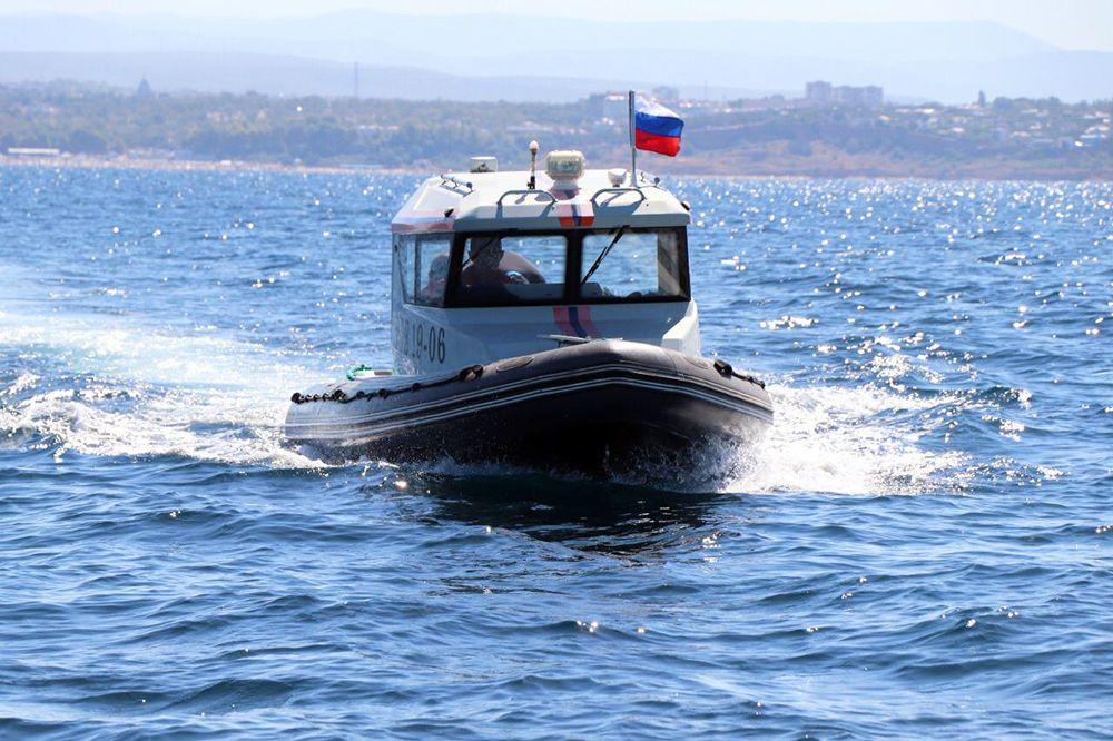 В Севастополе тонут люди: кто спасет и с кого спросить